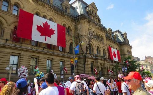 新移民在加拿大生活必不可少的6种证件