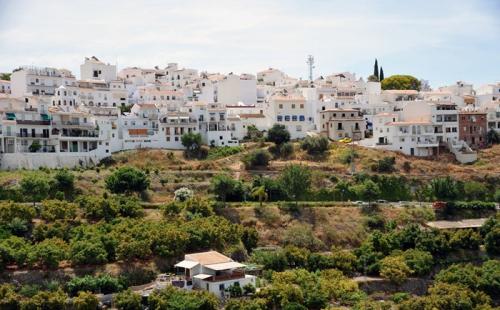 西班牙买房移民前景大好:房市升温达五年高点