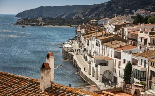 西班牙超越日本成长寿第一国!移民西班牙畅享健康人生