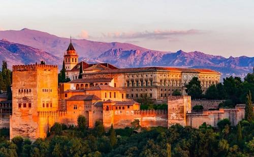 西班牙教育的特点和优点?