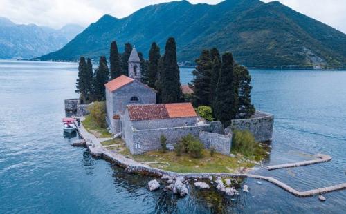 黑山投资移民:广阔的发展前景,诸多的投资优势