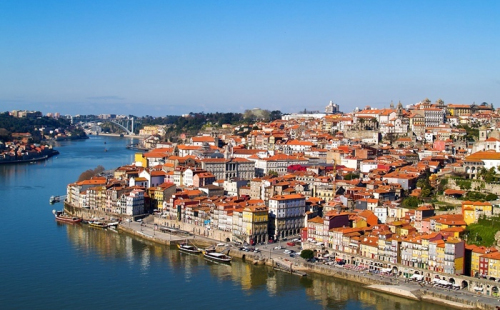 住满35天拿欧盟护照!葡萄牙黄金居留首本护照诞生